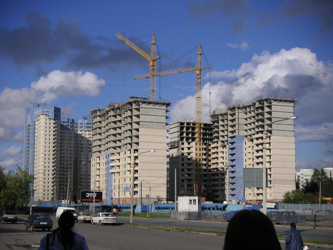 москвичам безопаснее приобретать уже готовое жилье, чем участвовать в долевом строительстве
